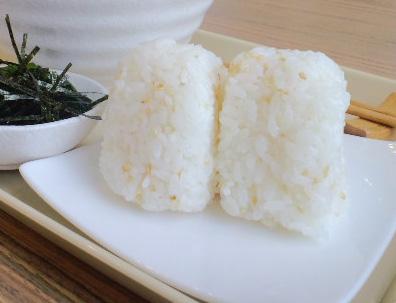 http://img01.namjai.cc/usr/jfoodsbkk/article_onigiri01.JPG
